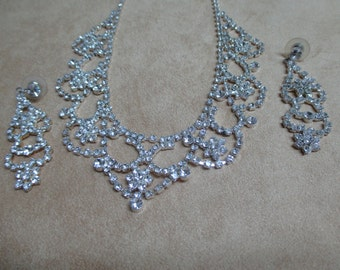 vintage costume jewelry  / wedding necklace and earrings