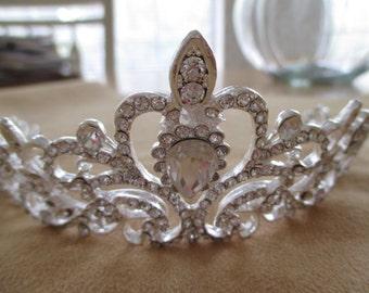 vintage costume jewelry  /  rhinestone tiara for weddings or proms / JUST REDUCED