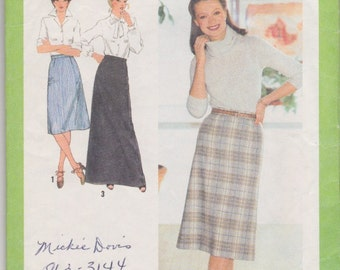 SALE! Vintage Simplicity 9070 Skirt Pattern // 1979 Skirt // Vintage High Waisted Skirt Pattern // Size 10 // Waist 25