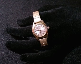 Vintage, Benrus Wrist Watch with Goldtone Face - 17 jewels - Twist O Flex Speidel Band - Runs Great!
