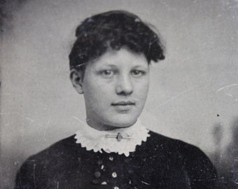 Beautiful Victorian Tintype Portrait / Gretta
