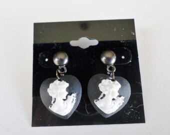 Heart Cameo Earrings in Black and White