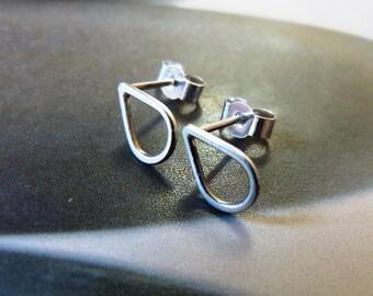 Silver teardrop post earrings, Sterling silver stud earrings, studs, everyday wear