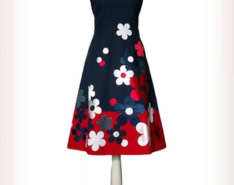 Maedow _ Dress with flowers in blue, red and white, handmade