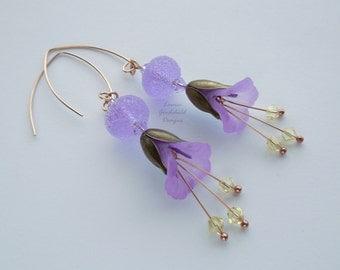 Lilac Mist lilac flower earrings, lilac lampwork earrings, lucite bronze flower earrings