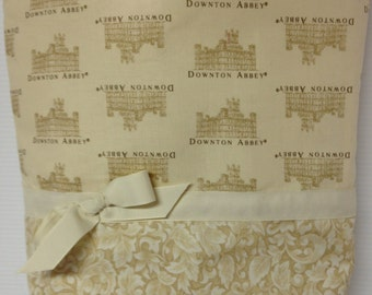 Downton Abbey Tote Bag with Five Pockets Inside!