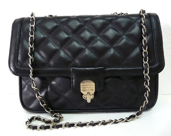 Black Leather Quilted Shoulder Bag Flap Silver Chain link SOMA R Clutch