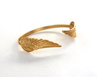 Small Angel Wings Bracelet, Angel Wings Band, Winged Cuff, Bridal Jewelry, Gold Wings, Bohemian Jewellery, Goddess Bracelet, Boho Chic