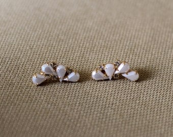Claudia Earrings,  Bridal Earrings, Bridal Jewelry, Wedding Pearls Earrings, Pearl Crystal Earrings, Pearls Stud Earrings, Pearls Jewellery