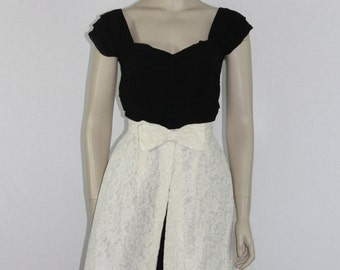 1950's Ivory Lace Over Skirt - Open Front  Lace Skirt