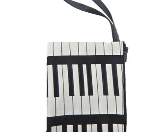 """US Handmade  Electronic Device Clutch Purse, Pouch Wristband Makeup Bag, Cosmetic Bag With """"Learning Piano""""  Musical Pattern ,  New"""