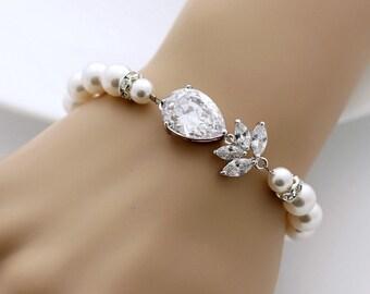 Pearl Crystal Bridal Bracelet Crystal Pearl Wedding Jewelry Pearl Wedding Bracelet, Nicole