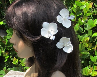 Hawaiian WHITE Orchids  SET OF 3 bobby pins flowers-hair clips - Weddings -