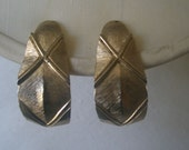 Vintage Brushed Gold Tone Leaf Design Clip and Screw Back Earrings