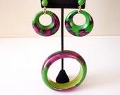 Vintage Bold 1970s Bangle Bracelet Hoop Earring Set Bright Green Magenta Pink Mod Boho