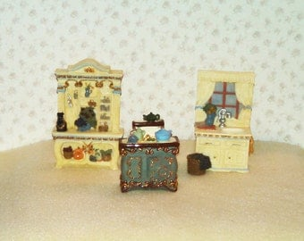 Reduced Vintage Miniature Dollhouse Furniture, Resin, Kitchen