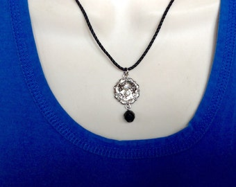 Your choice either one button necklace