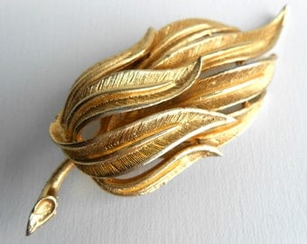 Vintage 1920s Coro Gold Leaves Brooch