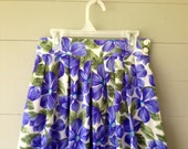 Vintage 1980s Floral Skirt / Hi Waisted Purple Floral Skirt / Side Buttons /  Pockets on Both Sides / Box Pleats in Front