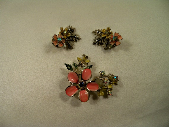 Antique BSK Rhinestone and ENAMEL Signed Brooch and Clip on Earrings Set