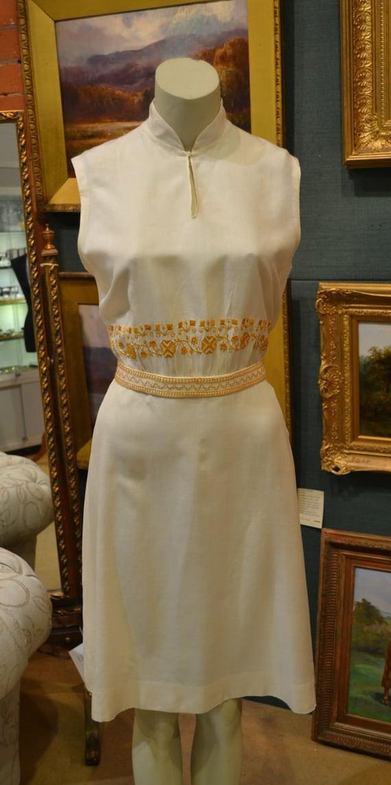 SALE Vintage peasant dress/vintage silk dress/folk motif embroidery/midcentury dress/1950 silk dress/1960 silk dress/ mandarin collar