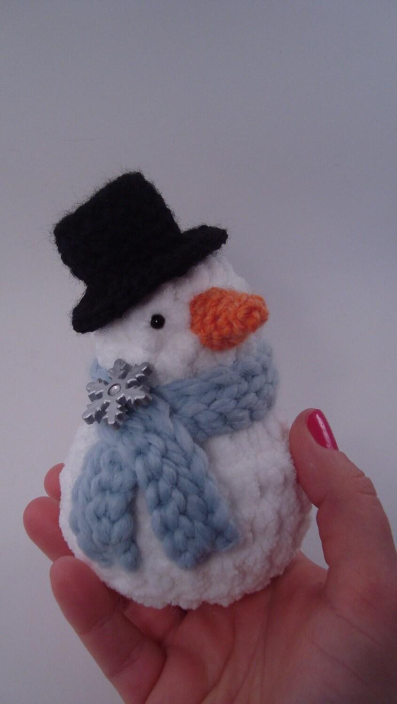 Bonhomme de neige amigurumi crochet stuffed animal avec - Bonhomme de neige au crochet ...