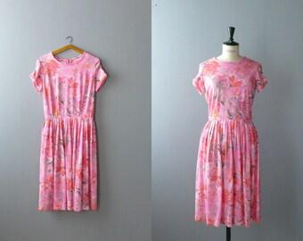 Vintage dress. 1970s floral dress. 70s poly pink dress