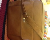 Vintage Samsonite carry on travel bag, pockets and zippers galore