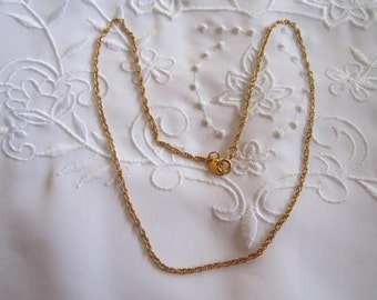 Vintage Young Girl's Avon Gold Tone Chain Necklace
