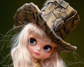 Steampunk Top Hat Blythe Steampunk Top Hat Blythe Hat OOAK Blythe Hat metallic Gold Old hat Fantasy Hat Blythe Blythe Outfit Hat