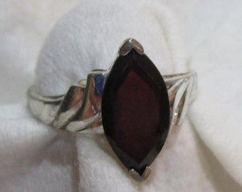 Sterling Silver Ring with Garnet Stone Sz 9