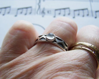 Vintage Sterling Silver Moonstone Ring Band