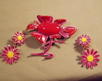 Vintage ART Signed Enamel Daisy Flower Pin & Daisy Clip Earrings Fun Bright Colors 7678