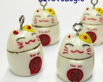 5 Maneki Neko Beckoning Cat Lucky Cat Lucite Charms. 03