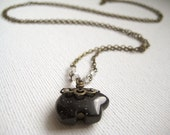 Long chain necklace with blue goldstone sky bear pendant - Ursa