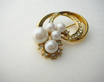 Gorgeous Vintage Estate Signed MARVELLA Faux Pearl Rhinestone Brooch Pin