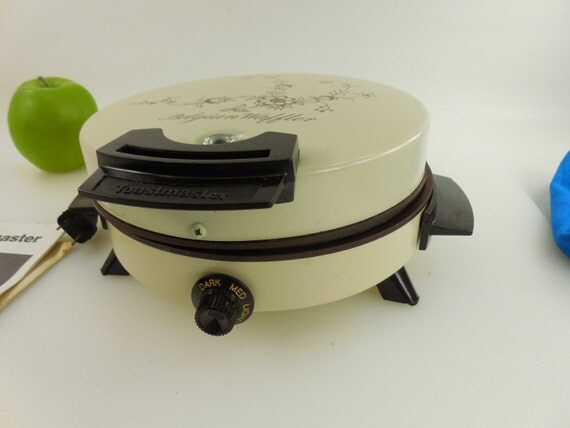 how to clean toastmaster waffle maker