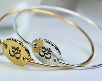 Om Bracelet, Om Jewelry, Om Bangle, Yoga Jewelry, Gold Om Bracelet, Silver Om Charm Bangle Bracelet, Om Jewelry, Gift For Yoga Lover