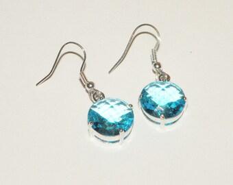 Blue rhinestone glass earrings pierced earrings Blue glass