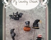 Handmade Primitive Halloween Pins Set - set of 5 pcs.
