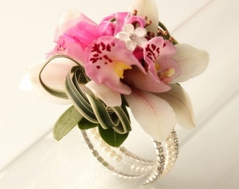 Corsage Bracelet - Sarina Flower Bracelet - Champagne