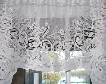 Free Shipping..BEAUTIFUL Vintage Victorian Crochet Lace Cream Swag Curtain