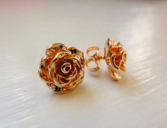 rose stud earrings in rose gold,rose stud earrings,rose gold stud earrings,stud earrings in rose gold,flower stud earrings,Momentusny