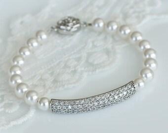 Bridal Bracelet, Bridal Pearl Bracelet, Bridesmaids Bracelet, White Swarovski Pearls and Cubic Zirconia Connector Bracelet,Wedding Jewelry,