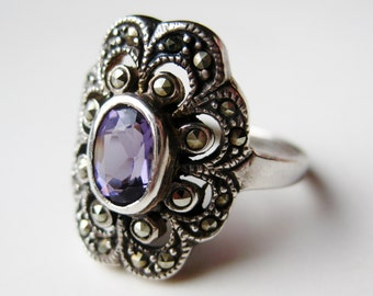 Vintage Ring Art Deco Purple Amethyst Sterling Silver Marcasite Cocktail Ring size 6 1/2