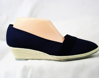 Size 10 M Navy Keds Espadrilles - Classic 80s Casual Blue Shoes - Macrame - Grasshoppers by Ked's - Summer 1980s Deadstock - 43289-X