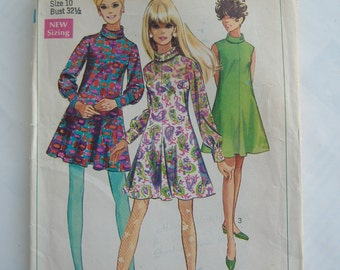 Simplicity Pattern 7527, Misses' Dress in Two Lengths, Size 10, Bust 32-1/2, Uncut