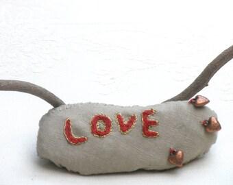LOVE Crochet Stone, Wedding Favors, Inspirational Wedding Decor, Ring Bearer Pillow Alternative ,Romantic Shabby chic Wedding