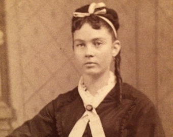 CDV Antique Photo  - Girl of Parkersburg, West Virginia