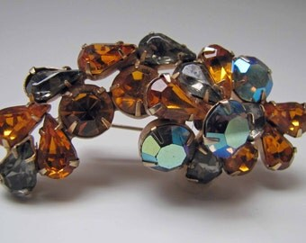 Vintage Juliana Delizza And Elster Hematite Grey And Orange Amber Rhinestone Brooch. Gold Plated Setting. Dimensional